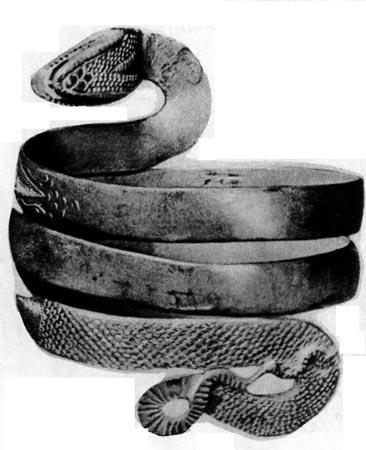 Браслет. Рим, I век н.э. Змея была символом плодородия и урожайности. Часто этот символ использовался как Декоративный момент, особенно на перстнях